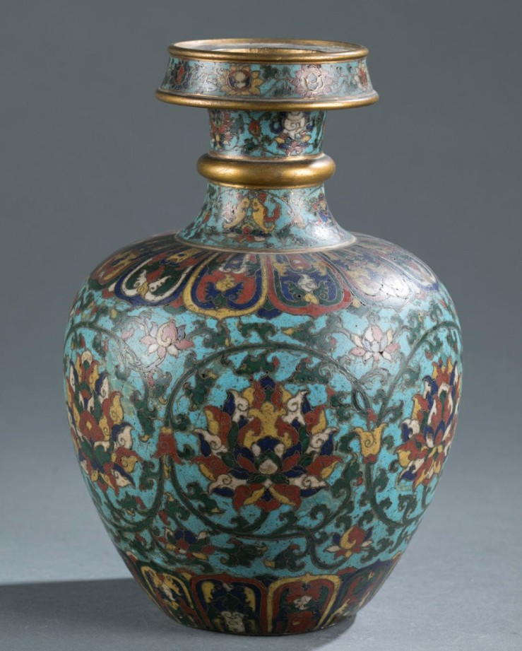 2 A Chinese cloisonné enamel vase recently sold for $812,500 in an online auction after being valued at $400 to $600.